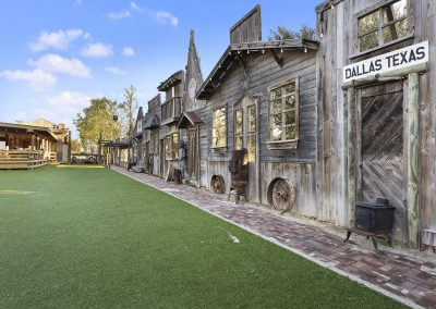 GHOST_TOWN_LAWN_2